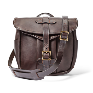 Relaxed and comfortable leather bags for ordinary people