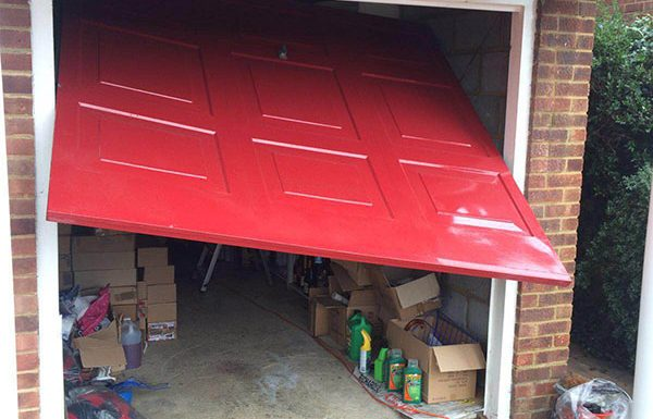 Types of garage doors and its advantages and disadvantages of canopy and retractable doors